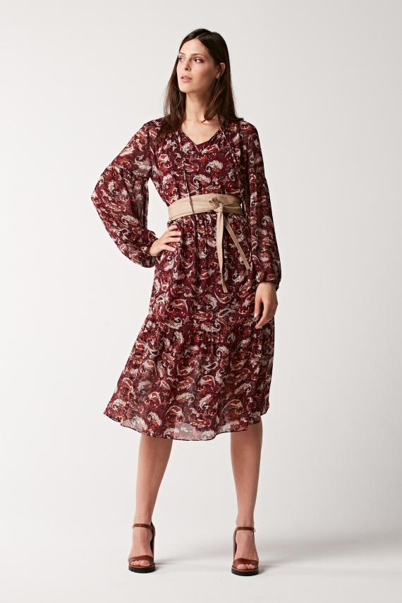 Sukienka o długości midi we wzór paisley